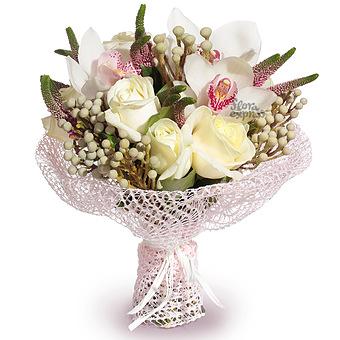 Букет Романтическое настроение: Розы и орхидеи