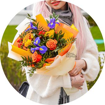 Букет Яркие впечатления: Ирисы и розы